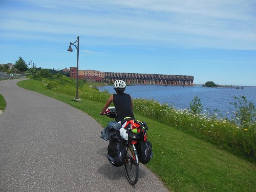 Mujeres viajeras en bicicleta: aquí tenéis unos cuántos ejemplos