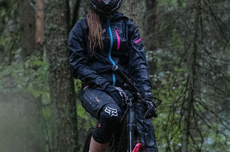 Dirtlej Dirsuit Pro Edition. Mountain bike en invierno